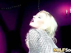 An anal invasion widening for milf Michelle Thorne