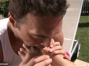 sumptuous asian Asa Akira luvs getting her uber-sexy feet idolized by her boyfriend