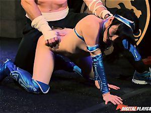 Aria Alexander ends her opponent Charles Dera