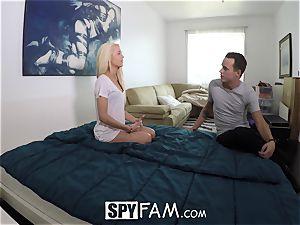 SpyFam Step step-sister Elsa Jean gets boning tips