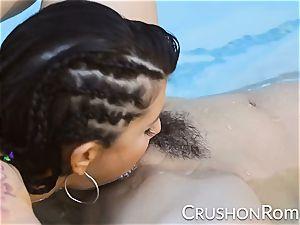 punch femmes - Romi Rain and Reena Sky bang in the pool