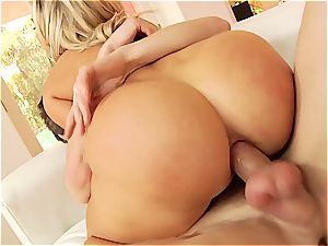 goddess Mia gets her rectum worshiped with screwing ritual