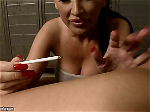Mandy Bright drop a melted candle to super-fucking-hot babe's culo