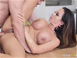 Ariella Ferrera getting stuffed in her bang fuckhole