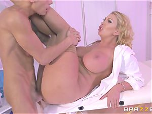 light-haired cougar Leigh Darby gets her lips lush a humungous chisel