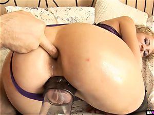 slave Julianne Douglas Gets penetrated Pumped
