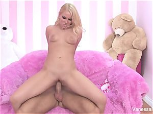 lovemaking with super-cute Vanessa box and a hefty pink cigar