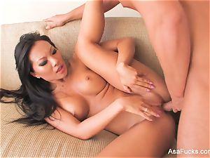 supah spectacular Asa Akira pokes on the bed