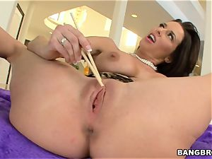 Veronica AvLuv humped by a humungous salami