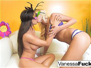 Vanessa cage with Capri Cavanni