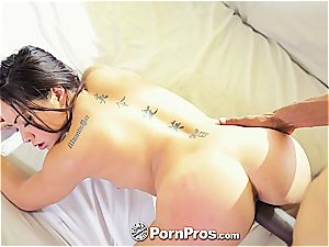 asian sweetheart Morgan Lee loves that gigantic shlong