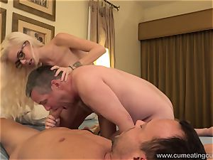 Halle Von and Her Cuck hubby Take Turns fellating manmeat
