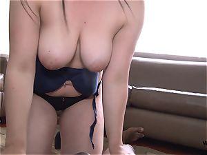 TU VENGANZA - revenge fuck-fest with big-titted Latina lady